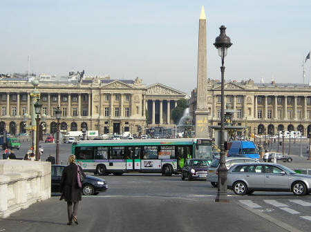 the paris public transportation system city buses. Black Bedroom Furniture Sets. Home Design Ideas