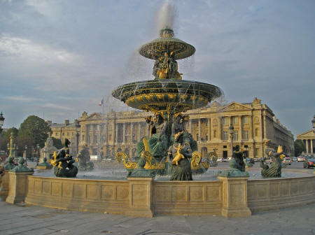 world 39 s most beautul fountains found in paris france. Black Bedroom Furniture Sets. Home Design Ideas