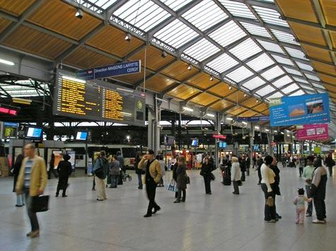 train stations in paris france gare du nord. Black Bedroom Furniture Sets. Home Design Ideas
